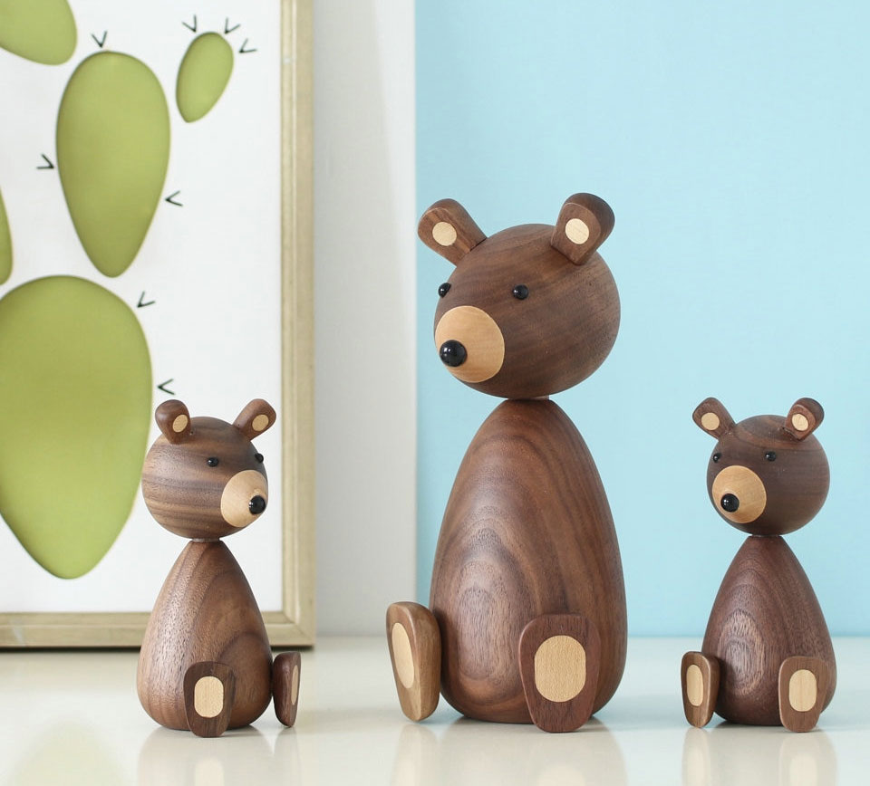 Handmade Wooden Figurines Collectible Ornaments Handmade Wooden Brown Bear Figurines Ornaments for Home Decor