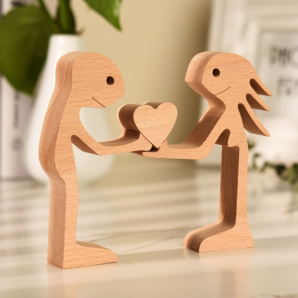 Couples Wooden Statue